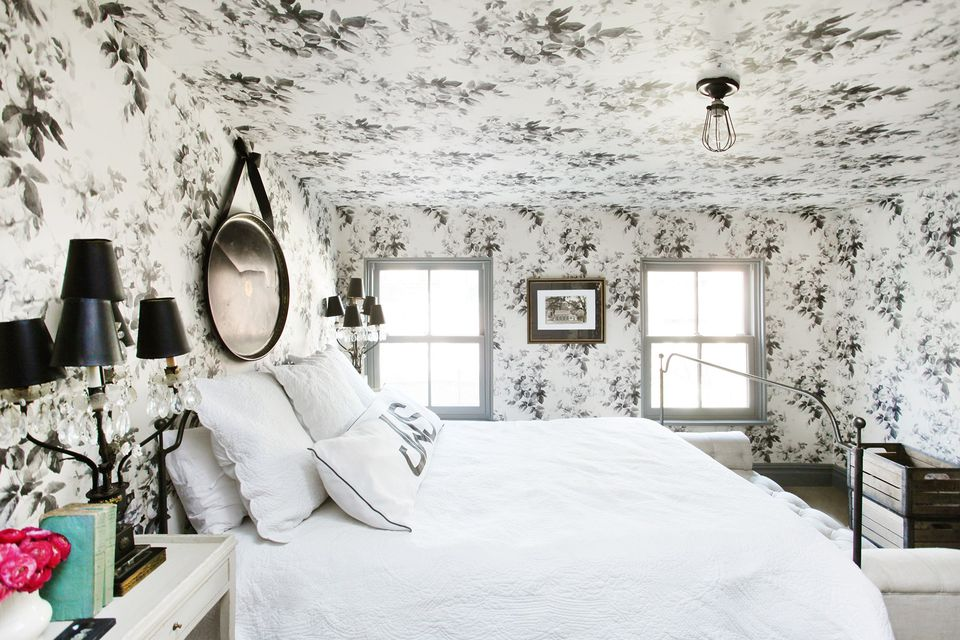 5 walls papered in floral wallpaper