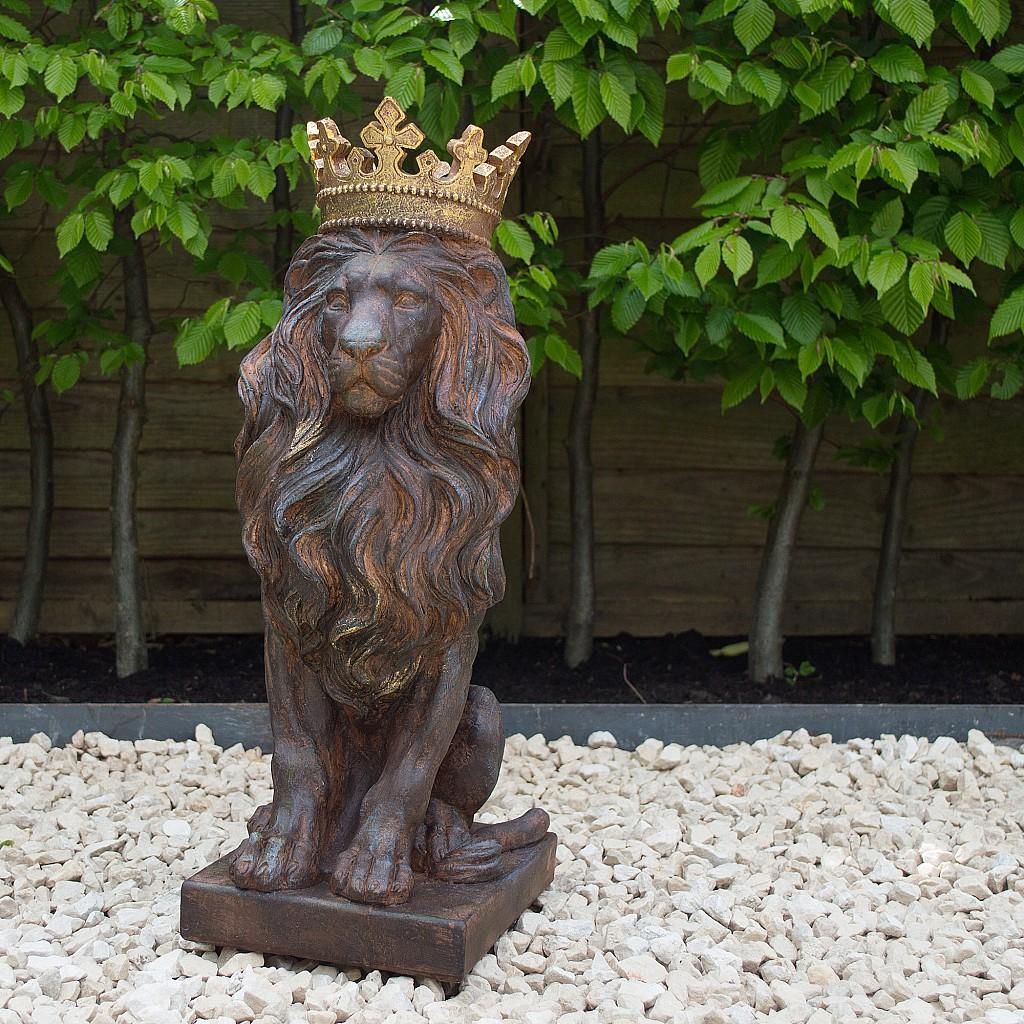 Lion Garden Statue