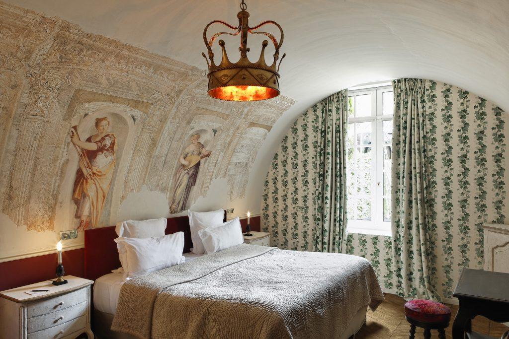 Room, Saint James Paris