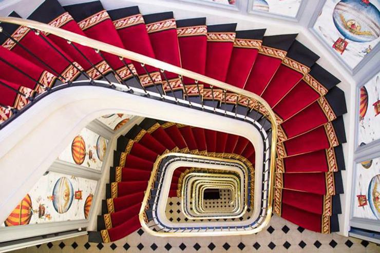Staircase Saint James, Paris