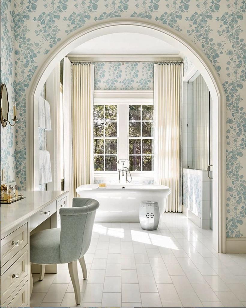 Monochromatic interior Design: Transitional Bathroom